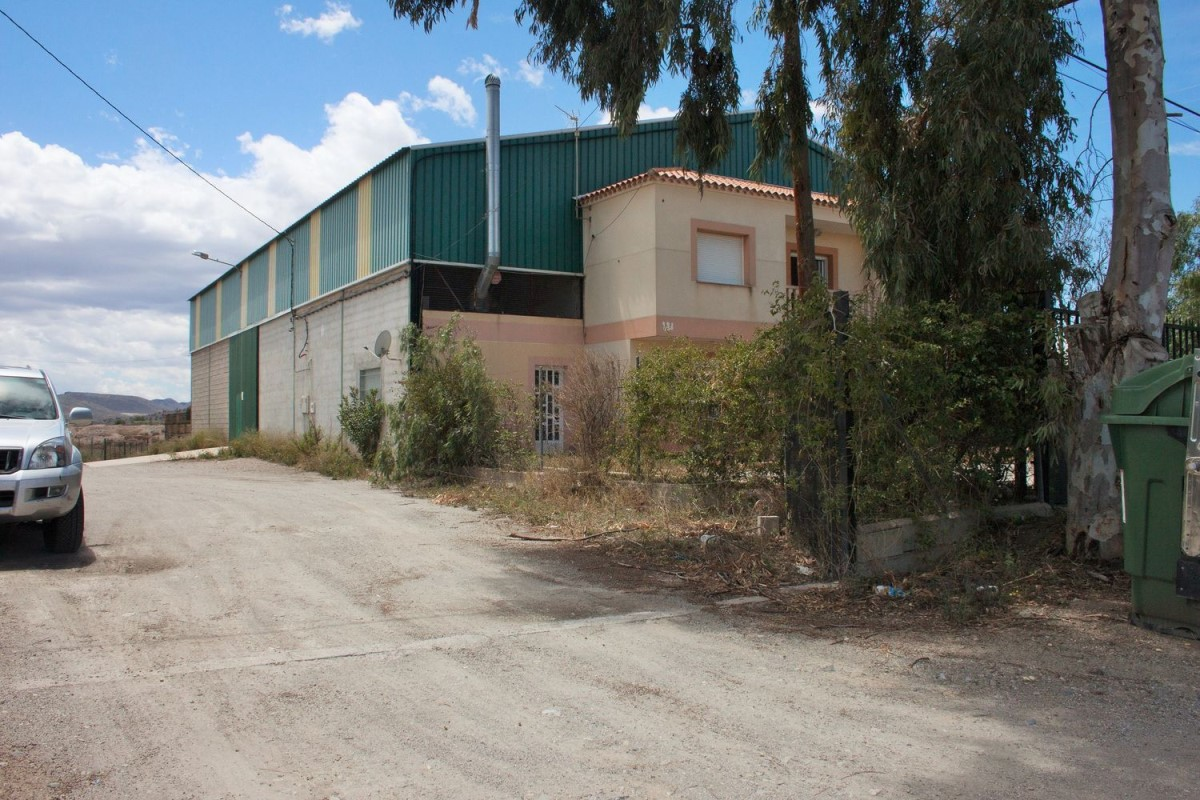 Industrial premises  For Sale in  Puerto Lumbreras