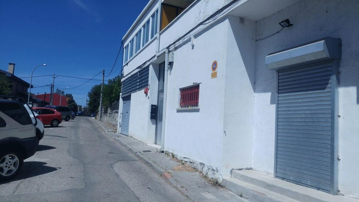 Nave Industrial en Venta en  Hoyo de Manzanares