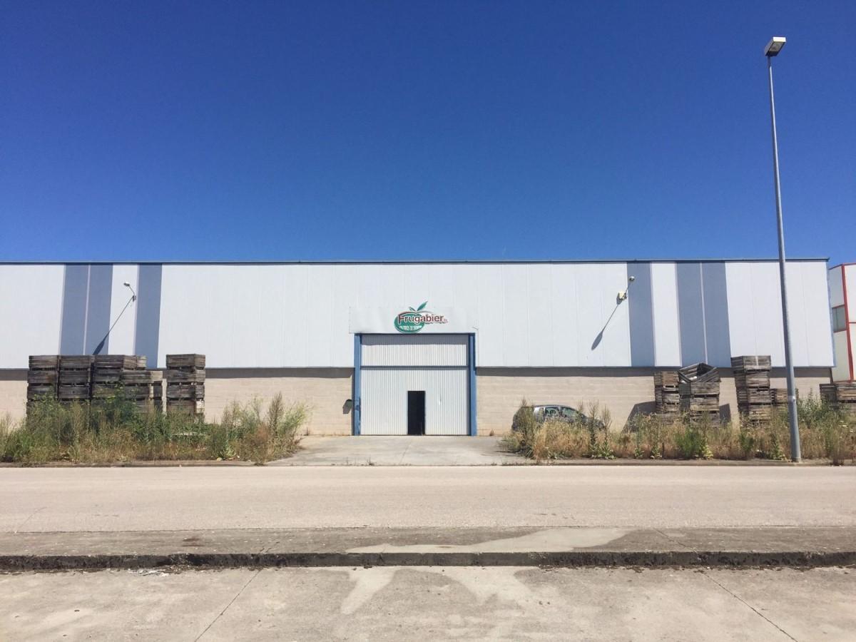 Nave Industrial en Venta en  Cabañas Raras