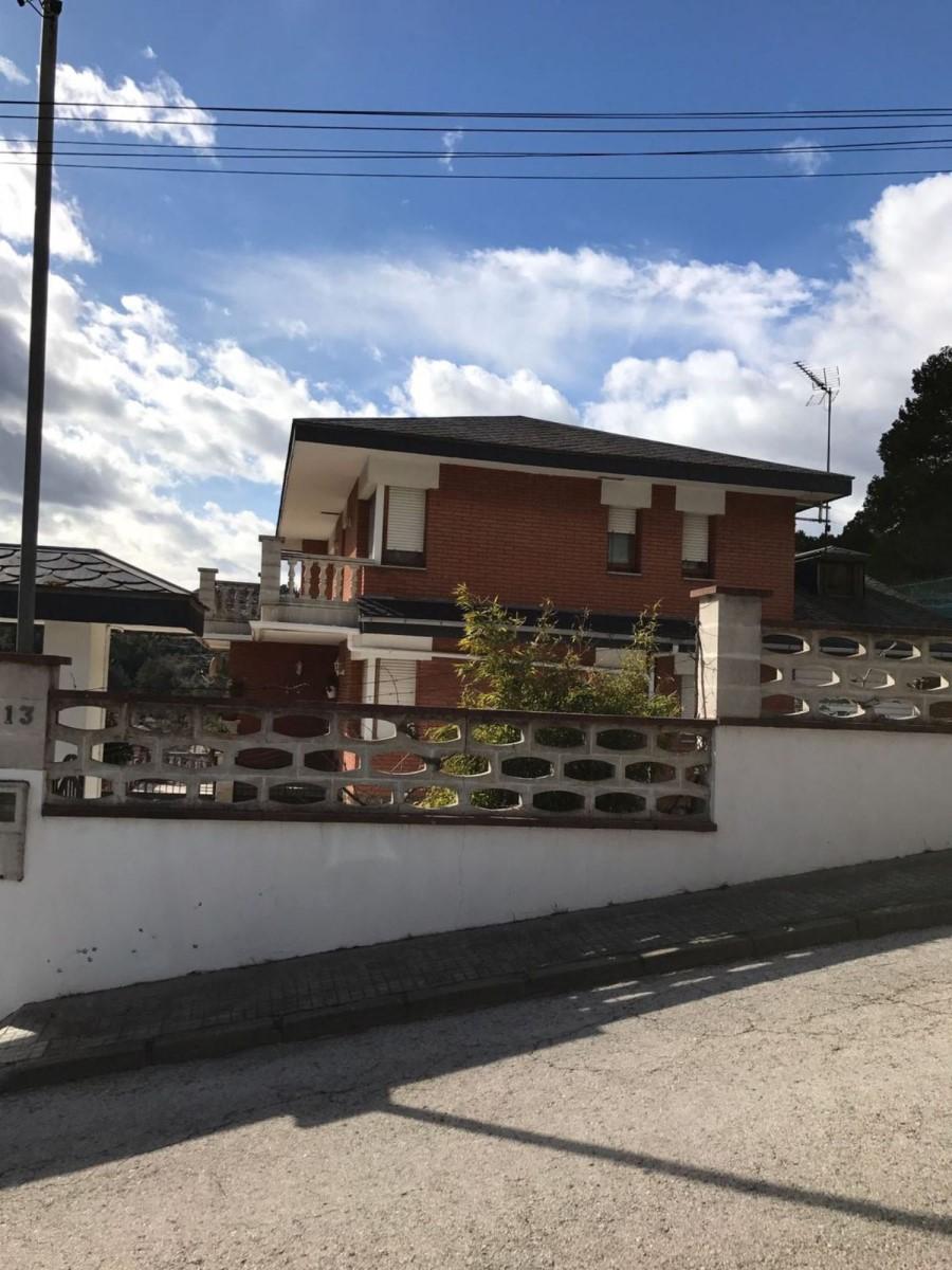 Chalet en Venta en  Corbera de Llobregat