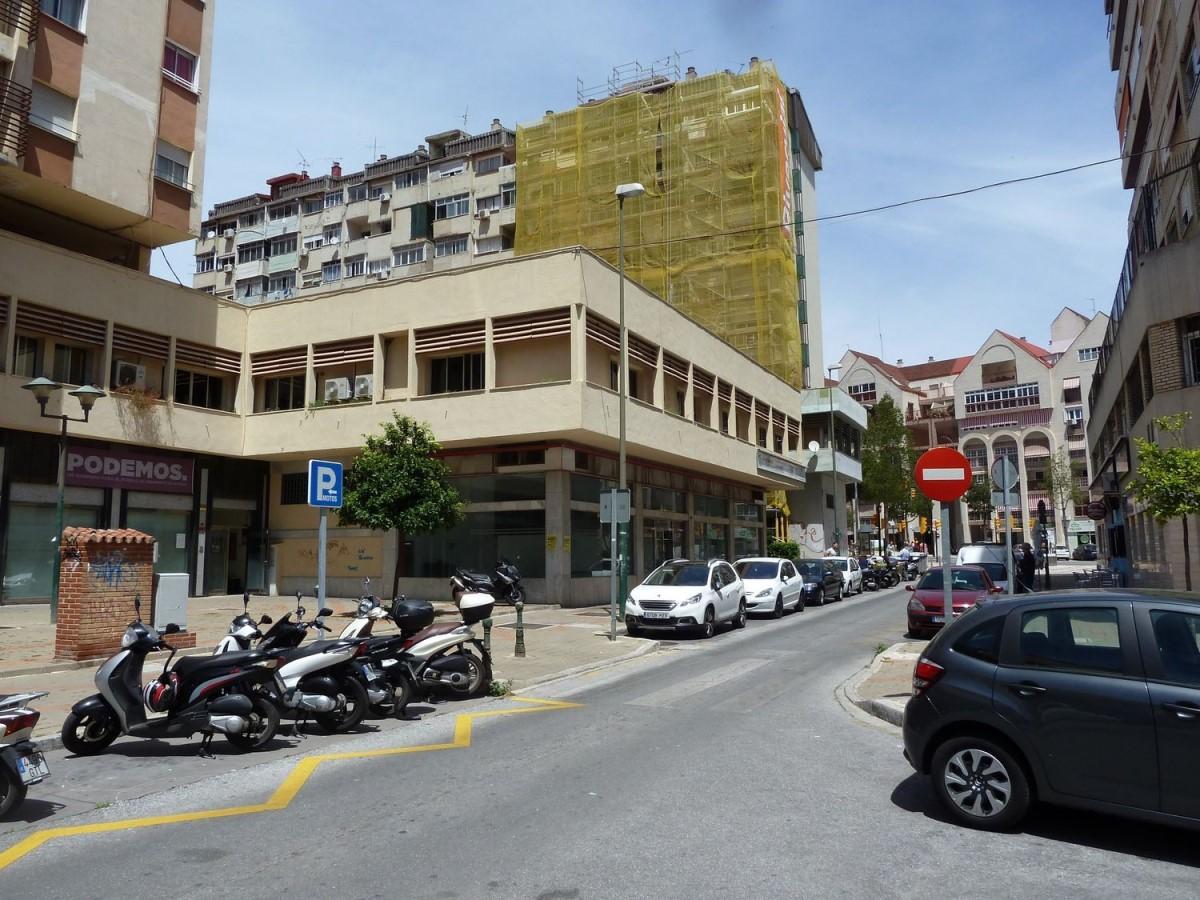 Local Comercial en Venta en Cruz De Humilladero, Málaga