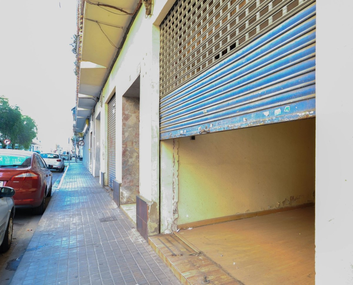 Local Comercial en Venta en  Benetússer