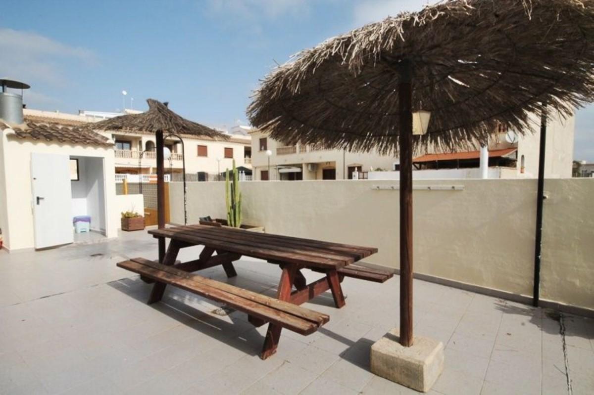 Chalet Adosado en Venta en  Formentera del Segura