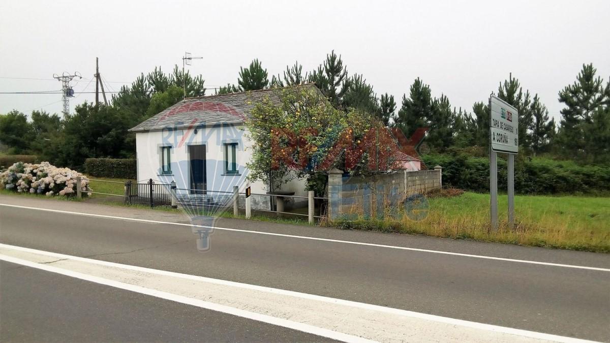 Casa Rural en Venta en  Coaña