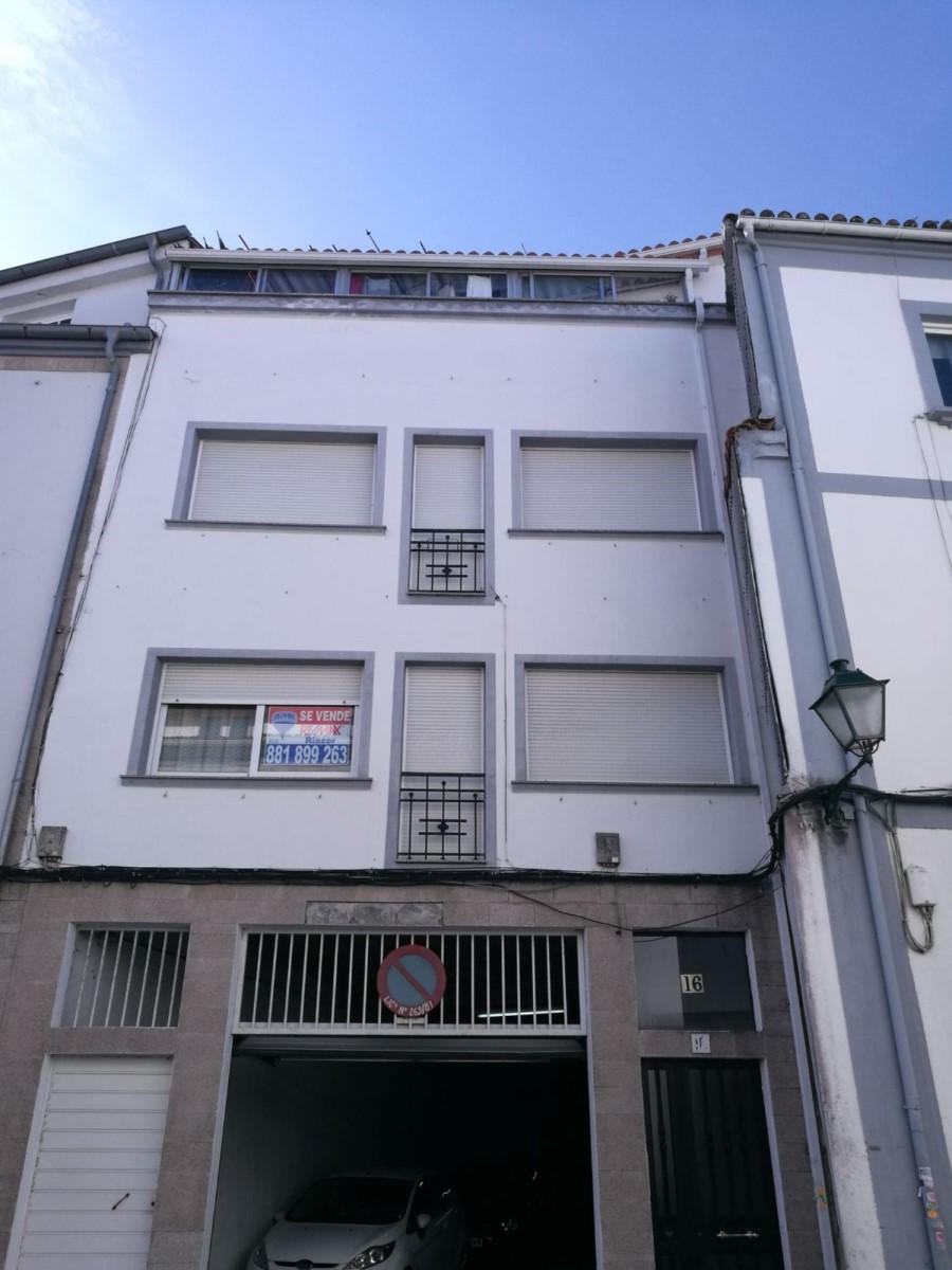 Edificio de Viviendas en Venta en  Santiago de Compostela