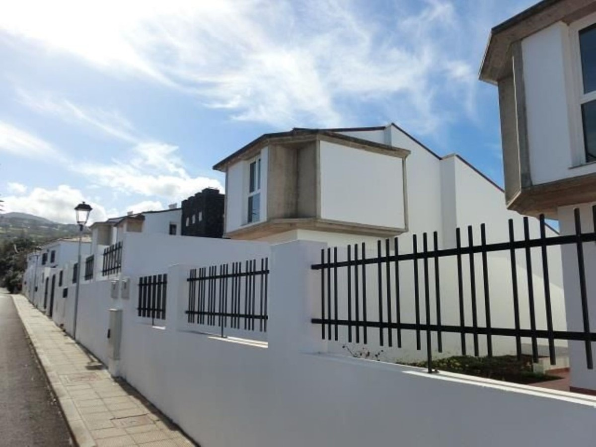 Terraced House  For Sale in  Tacoronte