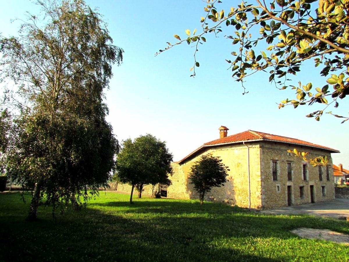 Casa Rural en Venta en  Miengo