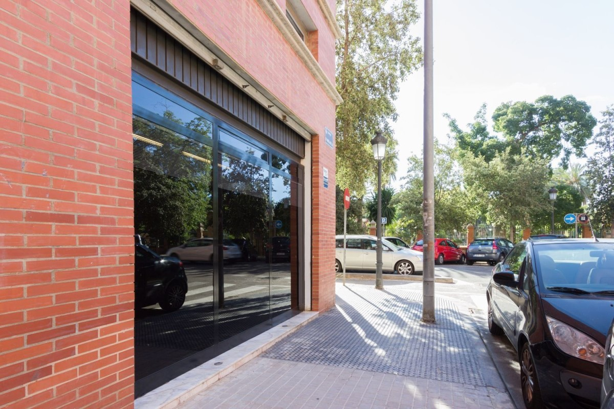 Retail premises  For Sale in La Saïdia, València