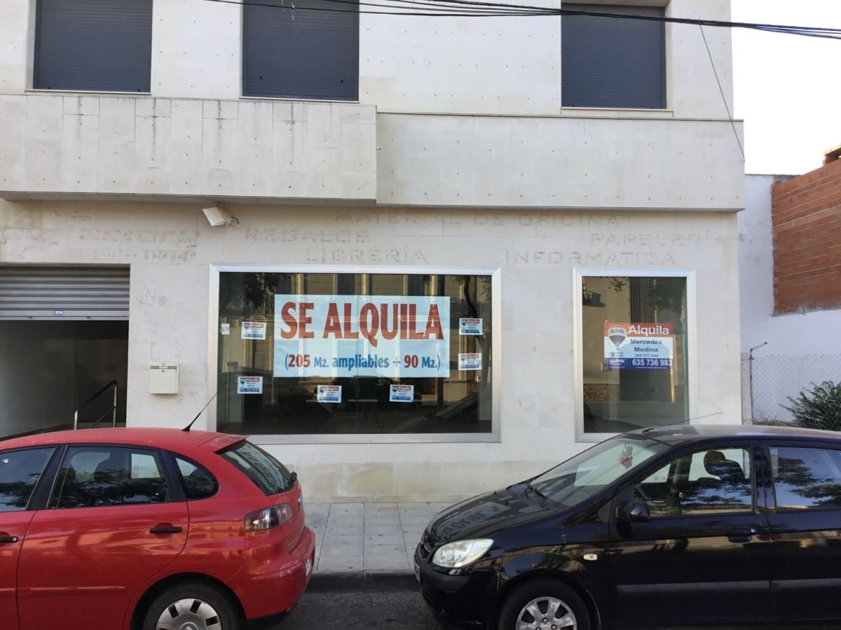 Local Comercial en Alquiler en  Pilas