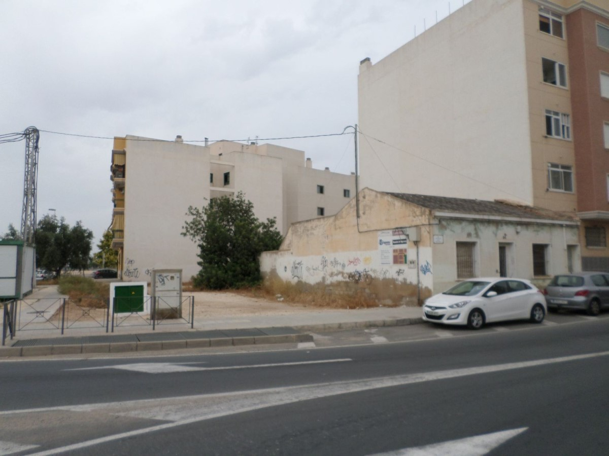 Urban lot  For Sale in  El altet