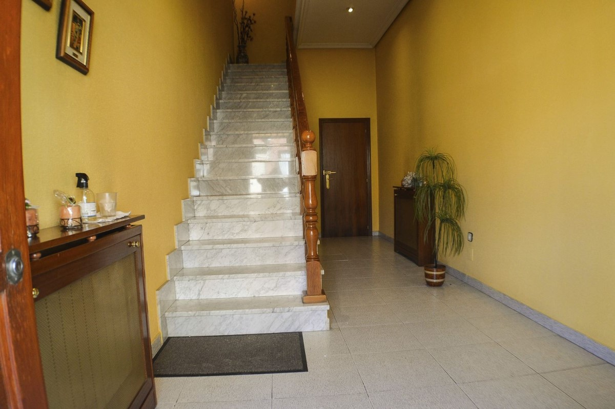 Terraced House  For Sale in  Ciempozuelos