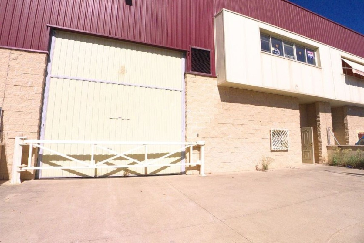 Industrial premises  For Sale in Valderas - Los Castillos, Alcorcón