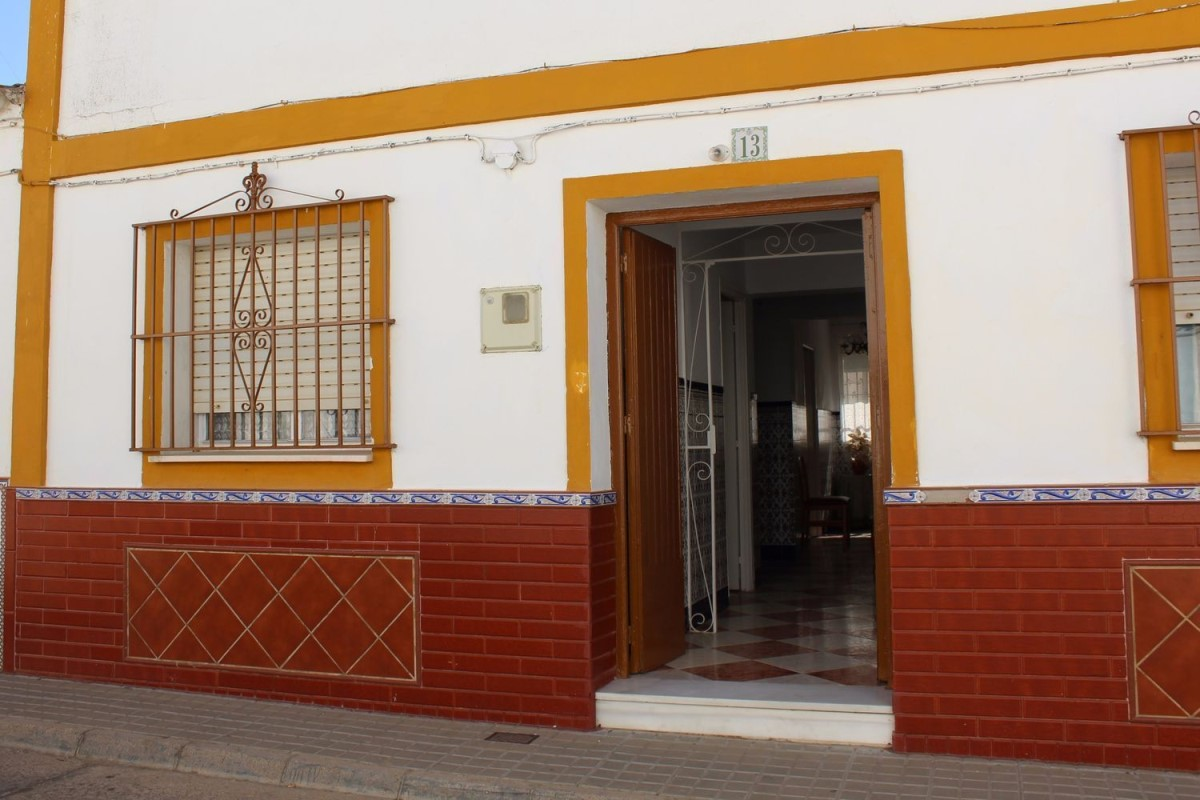 Chalet Adosado en Venta en  Trigueros