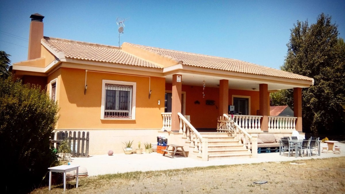 House  For Sale in  Yecla