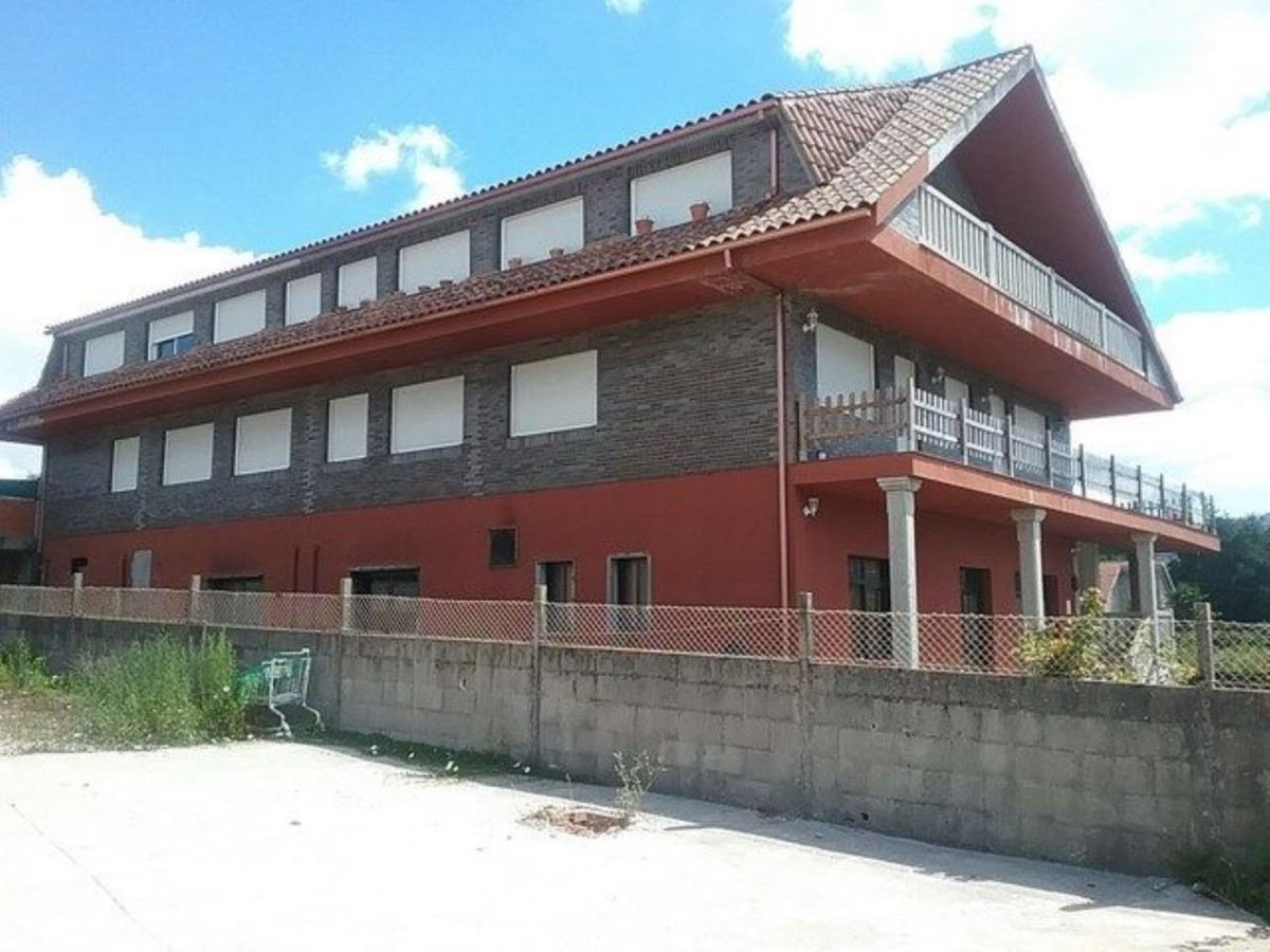 Edificio de Viviendas en Venta en  Porriño, O
