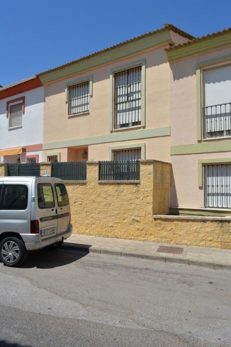 Chalet Adosado en Venta en  Albaida del Aljarafe