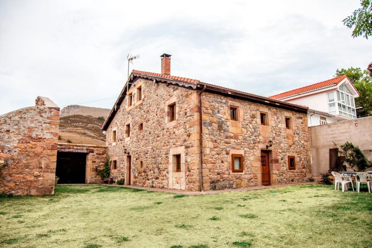 Casa Rural en Venta en  Hermandad de campoo de suso