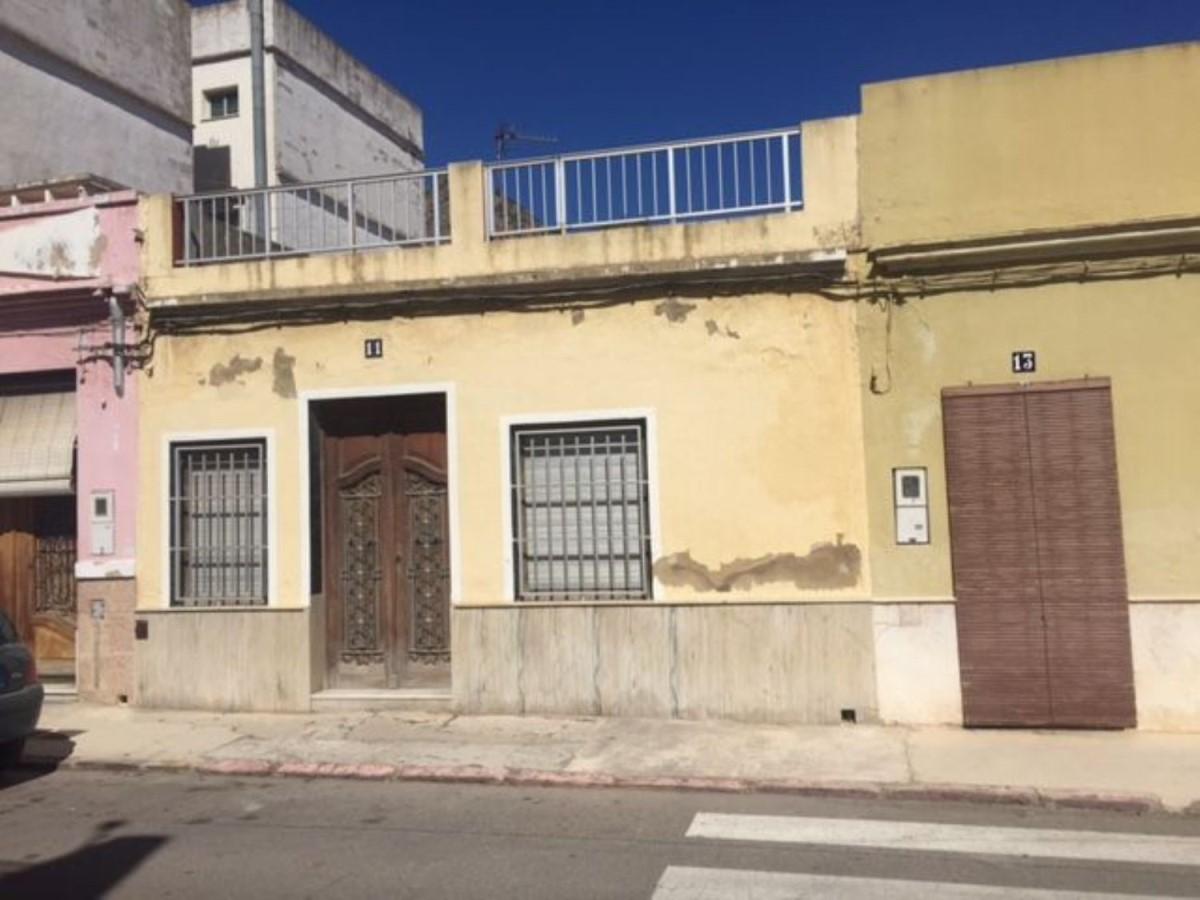 Chalet Adosado en Venta en  Tavernes de la Valldigna