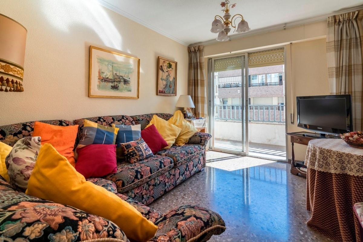 Piso en Venta en Campoamor-Carolinas-Altozano, Alicante/Alacant