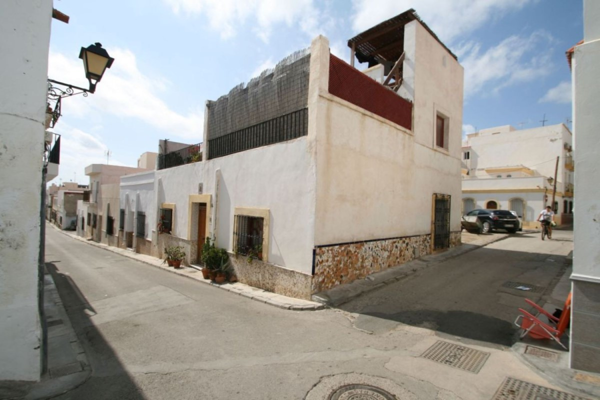 Casa Rural en Venta en  Carboneras
