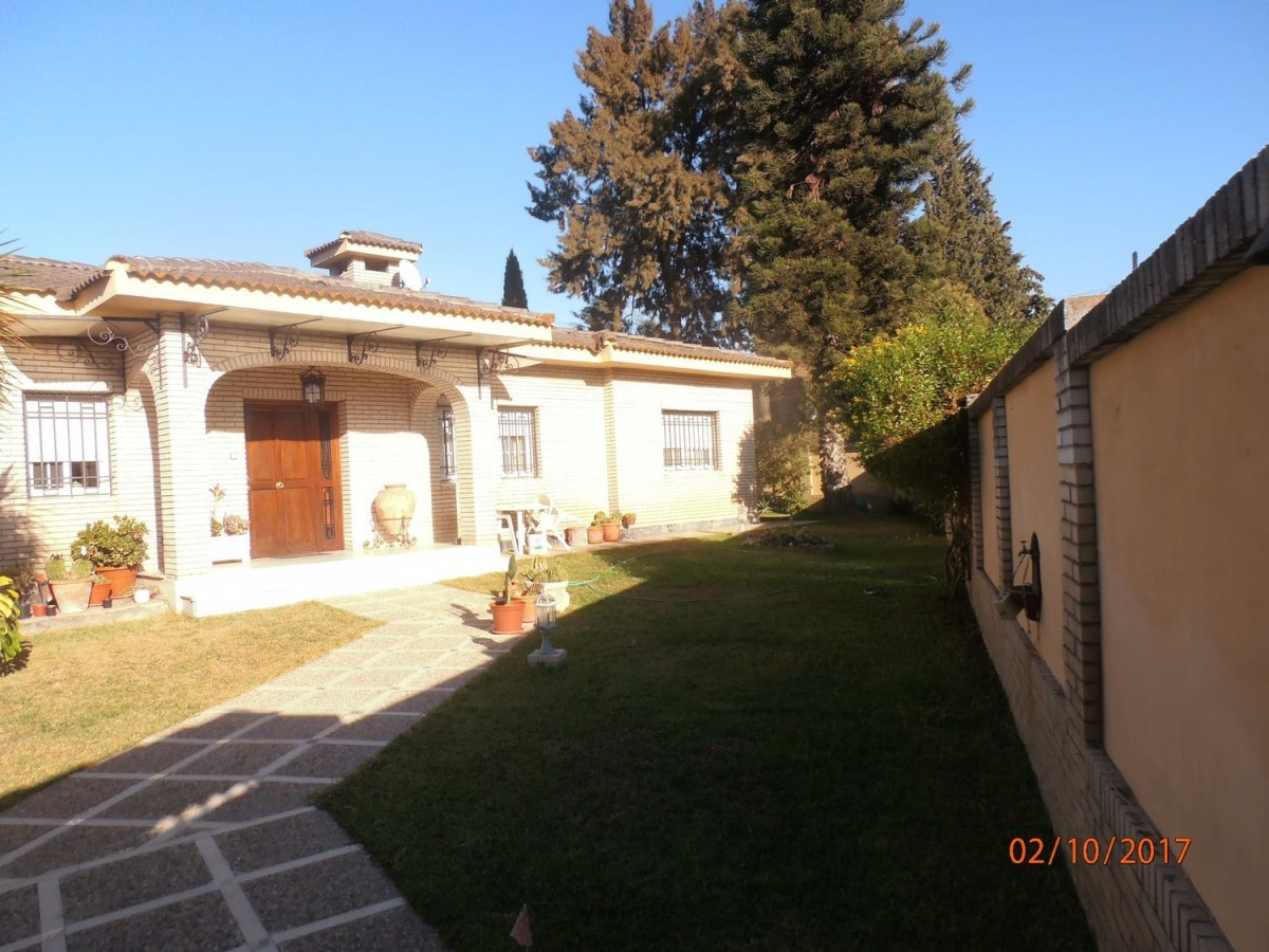 Chalet en Venta en  Valencina de la Concepción