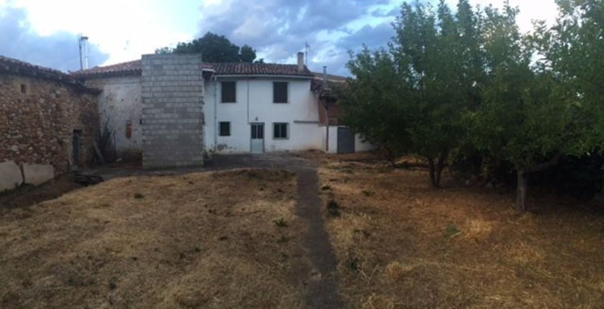 Casa Rural en Venta en  Castrejon de la Peña