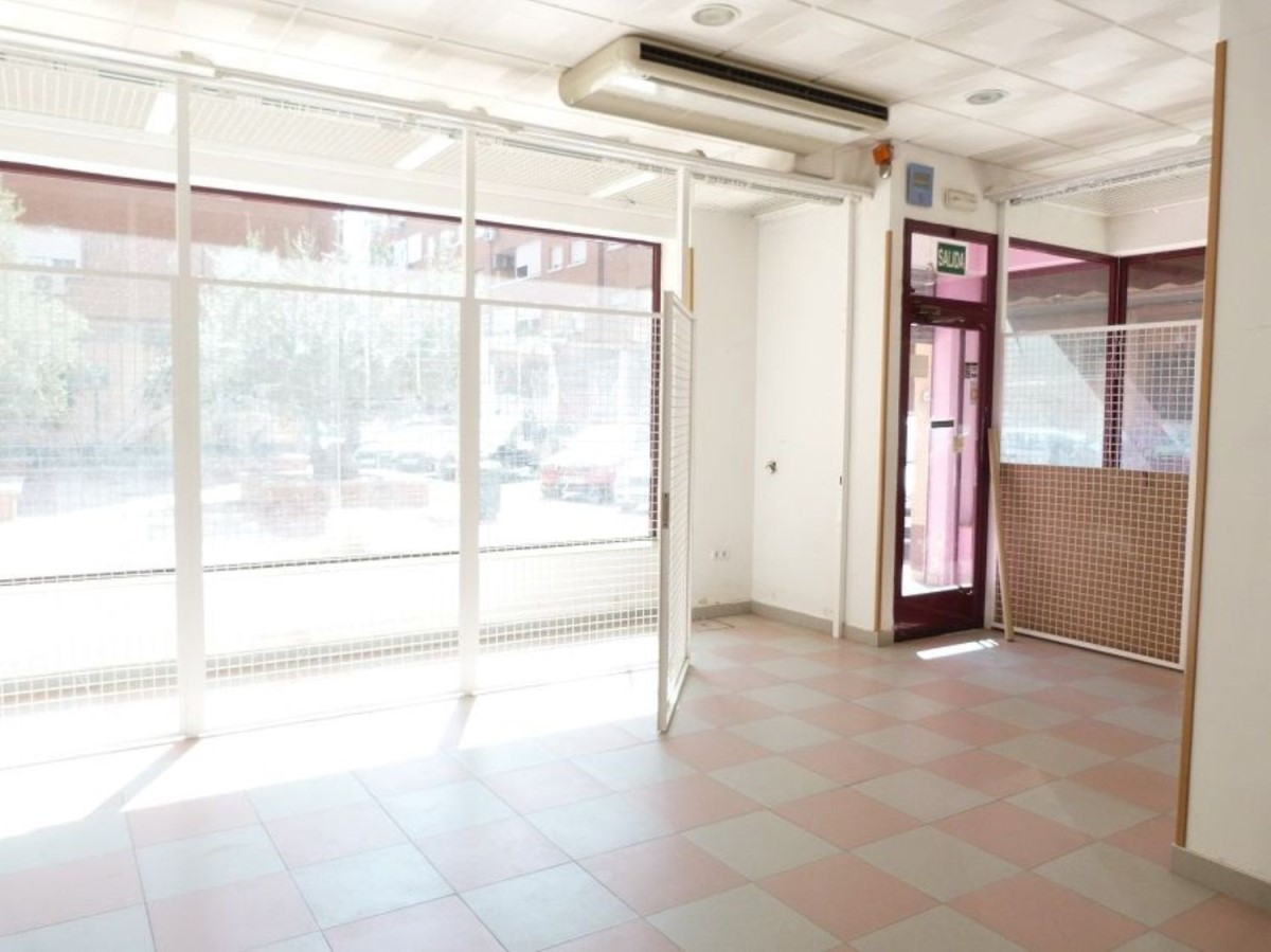 Local Comercial en Venta en  Humanes de Madrid