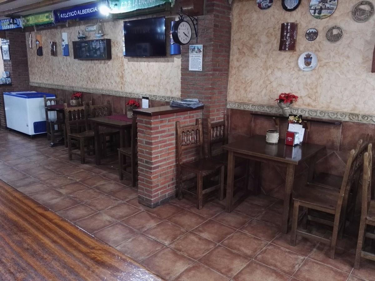 Local Comercial en Venta en  Miengo