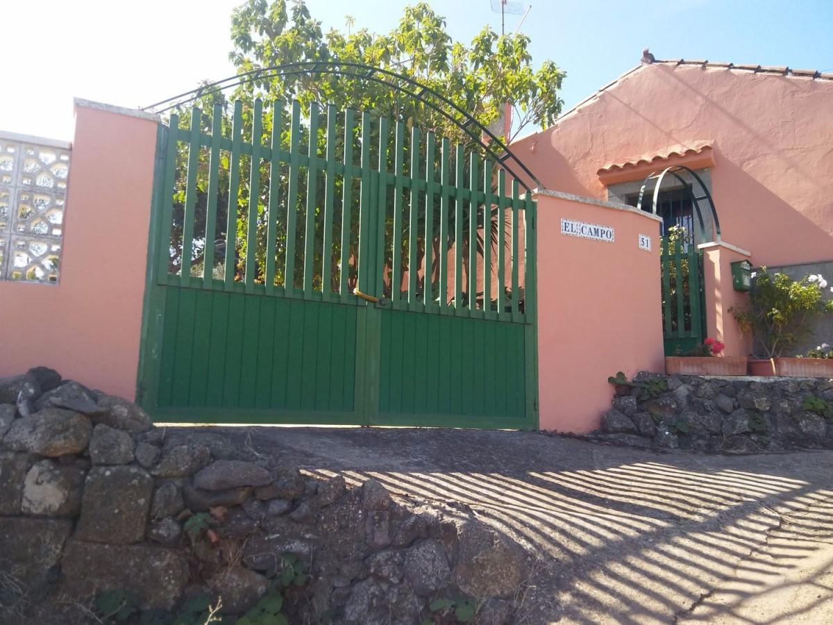 Chalet en Alquiler en  Vega de San Mateo