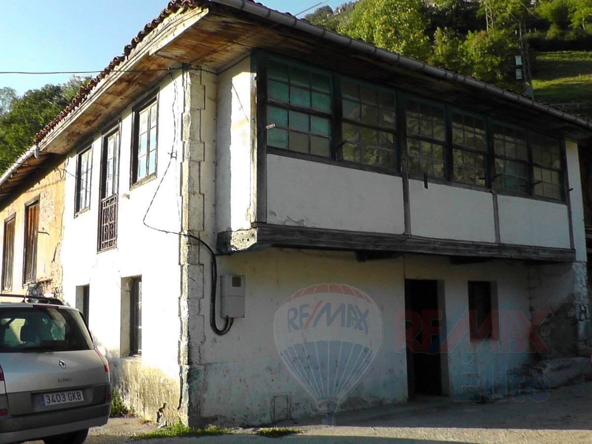 Chalet en Venta en  caso