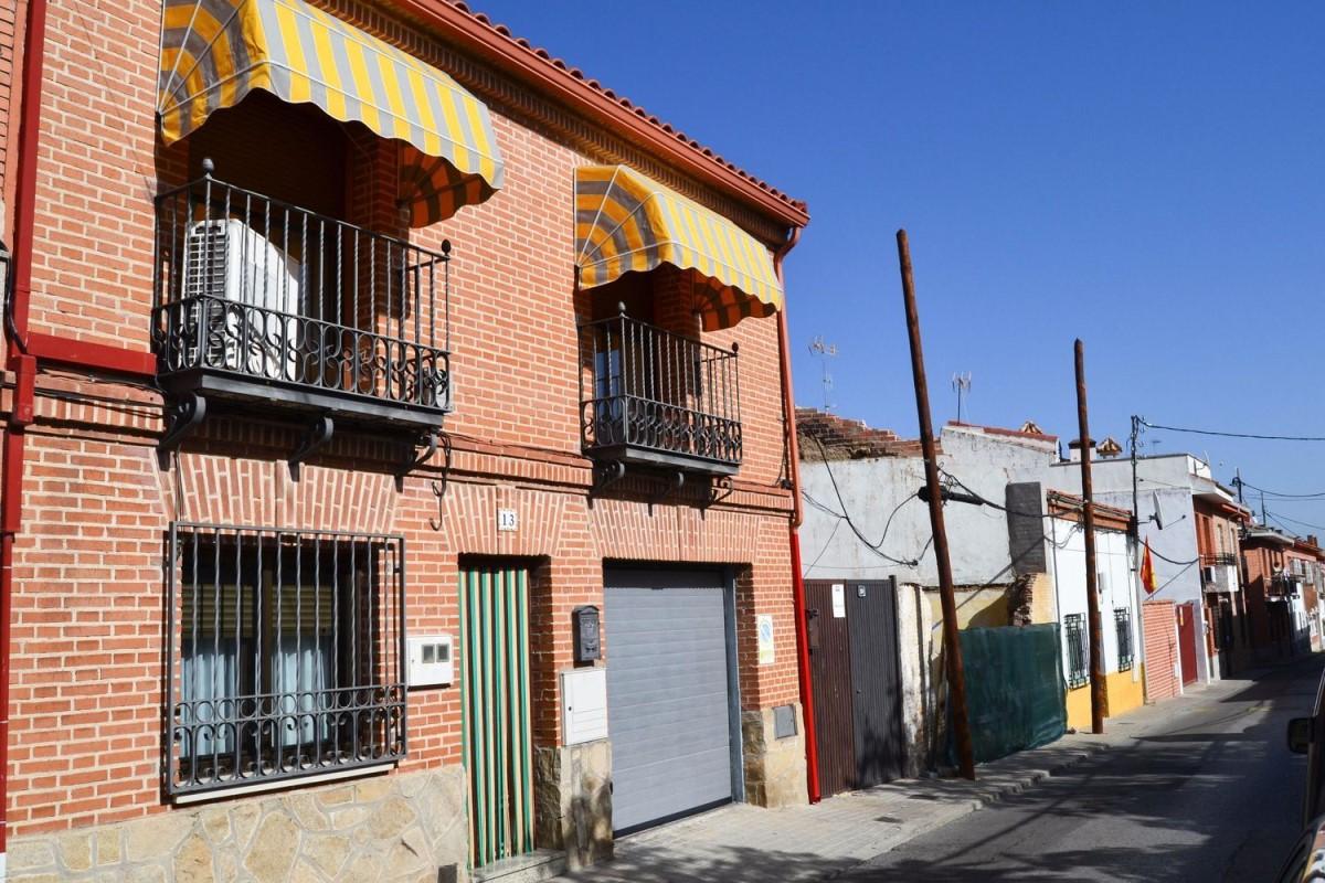 Chalet Adosado en Venta en  Sevilla la Nueva