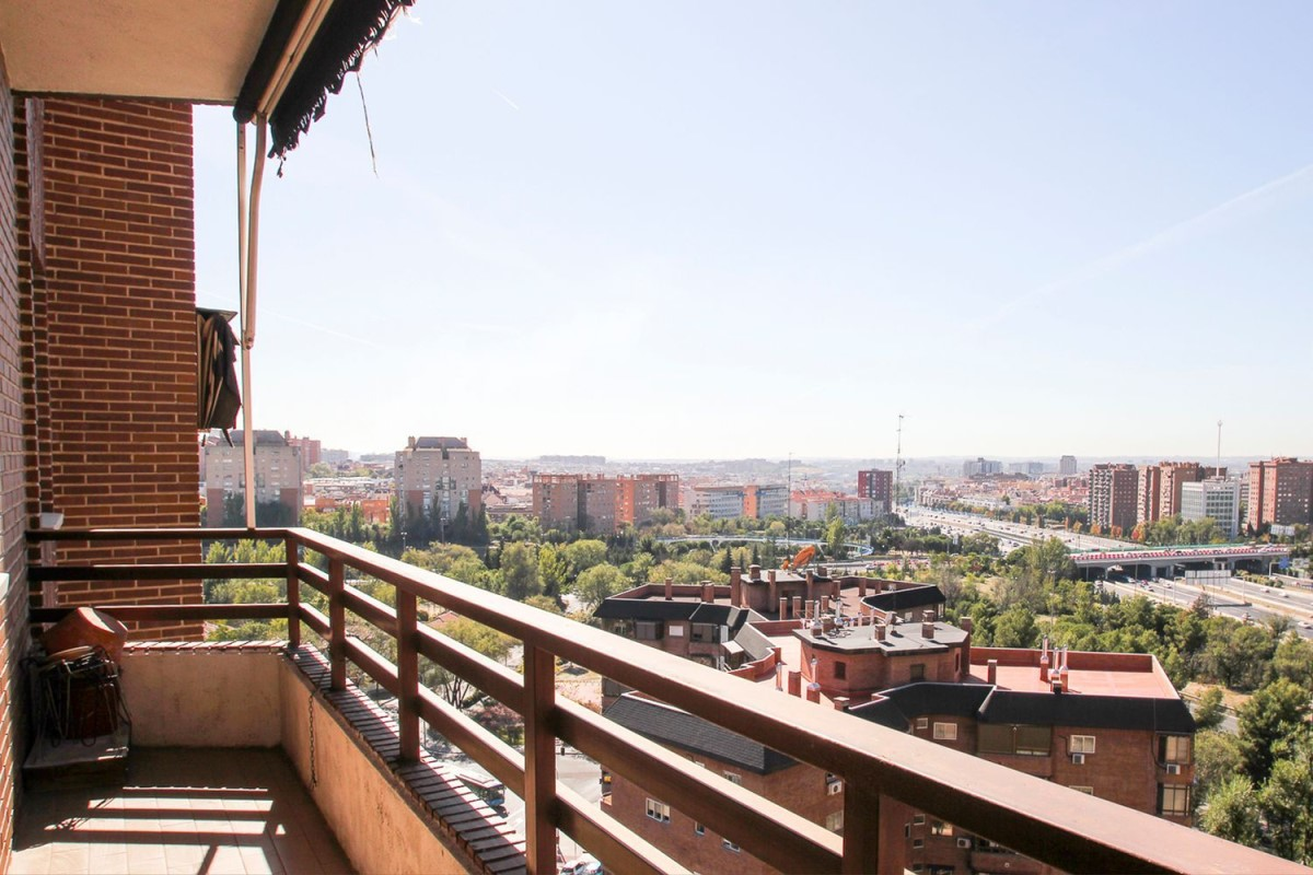 Piso en Alquiler en Moratalaz, Madrid