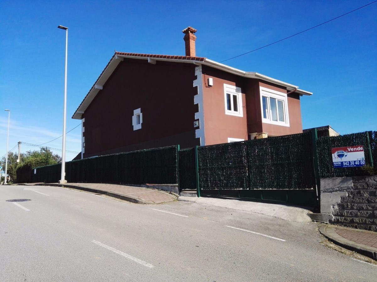 Chalet en Venta en  Santander