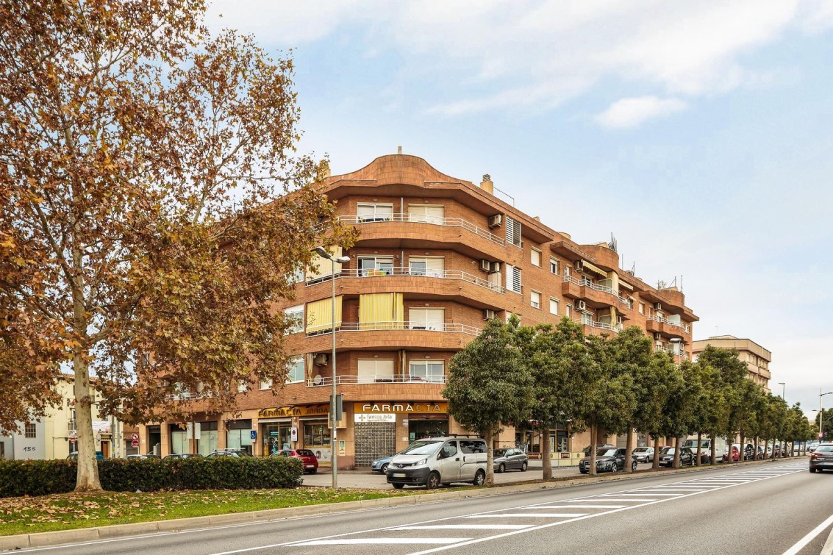 Local Comercial en Venta en  Sant Vicenç dels Horts