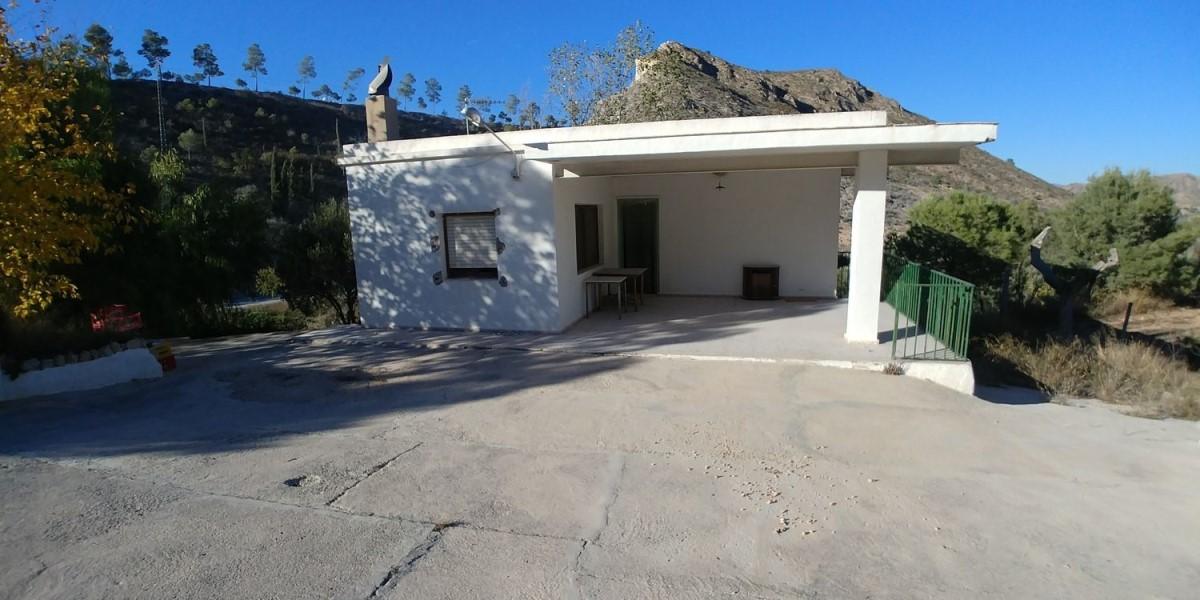 Chalet en Venta en  Hondón de Las Nieves
