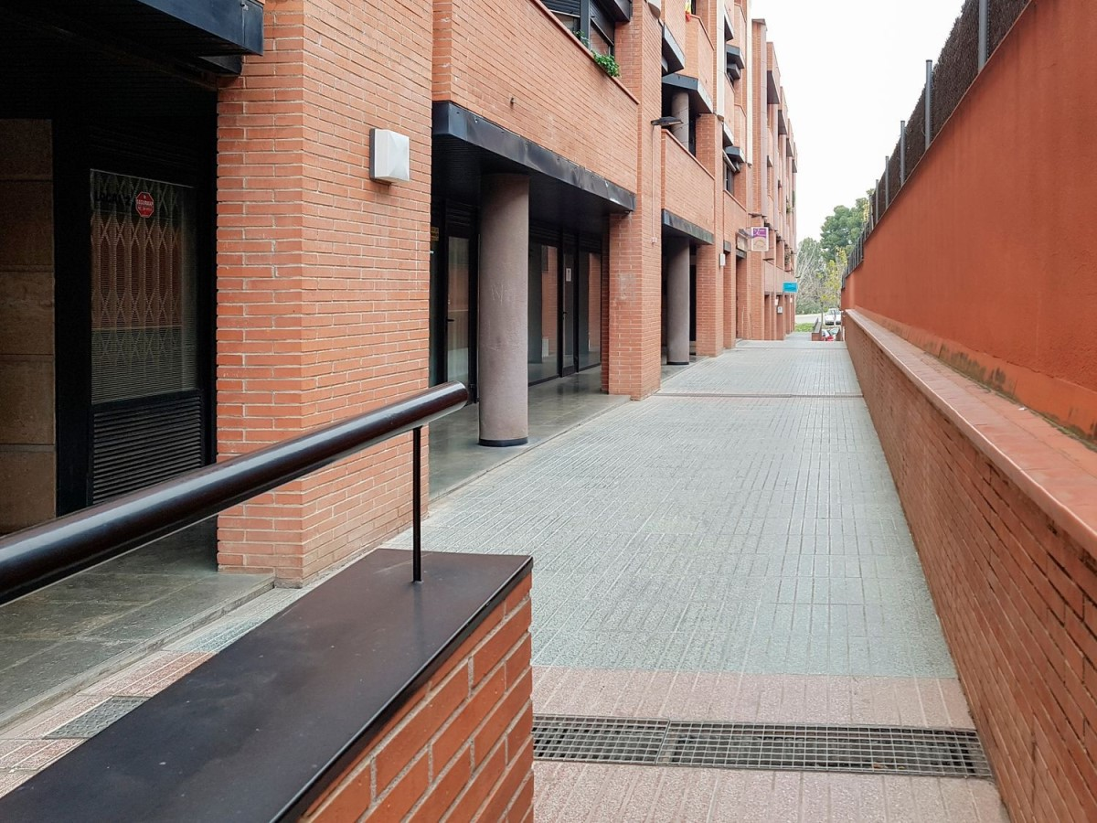 Local Comercial en Venta en  Sant Joan Despí