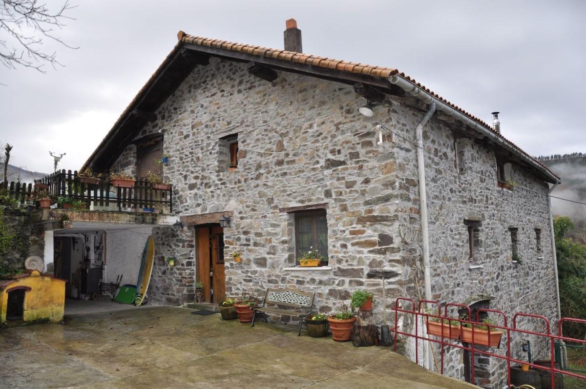 Casa Rural en Venta en  Arano