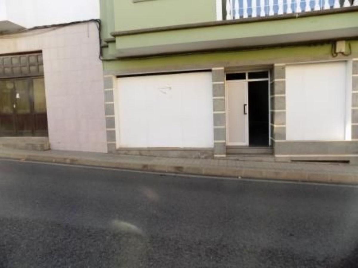 Local Comercial en Venta en  Moya