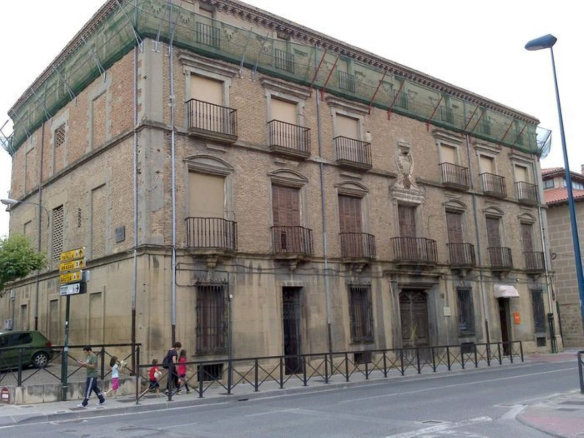 Edificio de Viviendas en Venta en  Tafalla