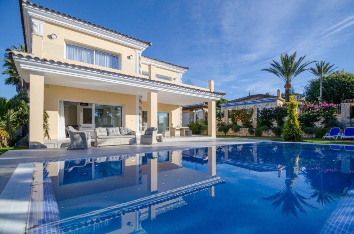 House  For Sale in Elviria, Marbella