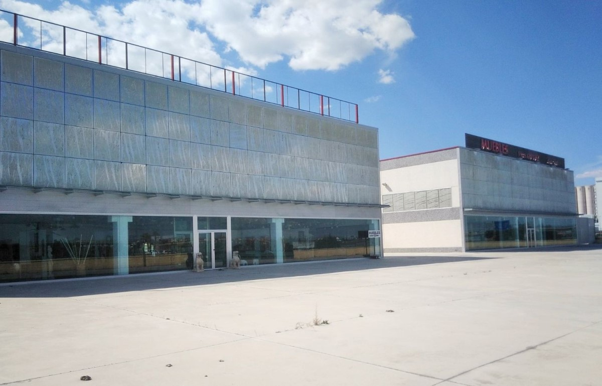Industrial premises  For Sale in  Arévalo