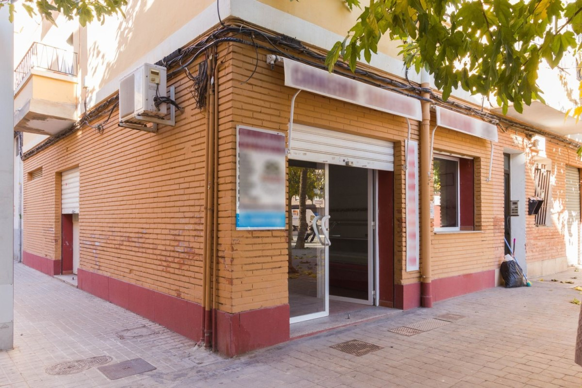 Retail premises  For Sale in  Bonrepos I Mirambell