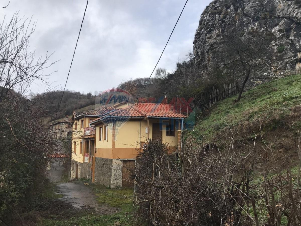 Casa Rural en Venta en  Teverga