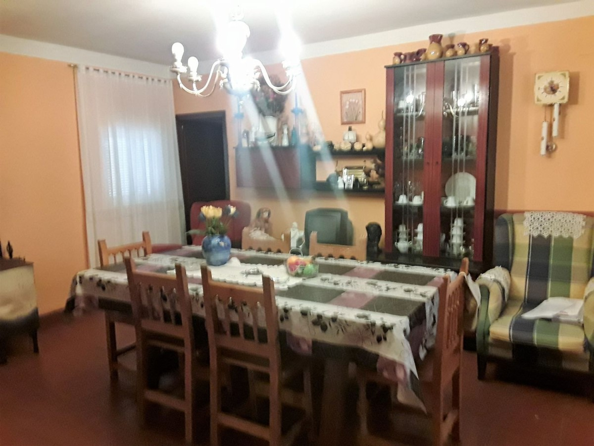 Chalet en Venta en  Matapozuelos