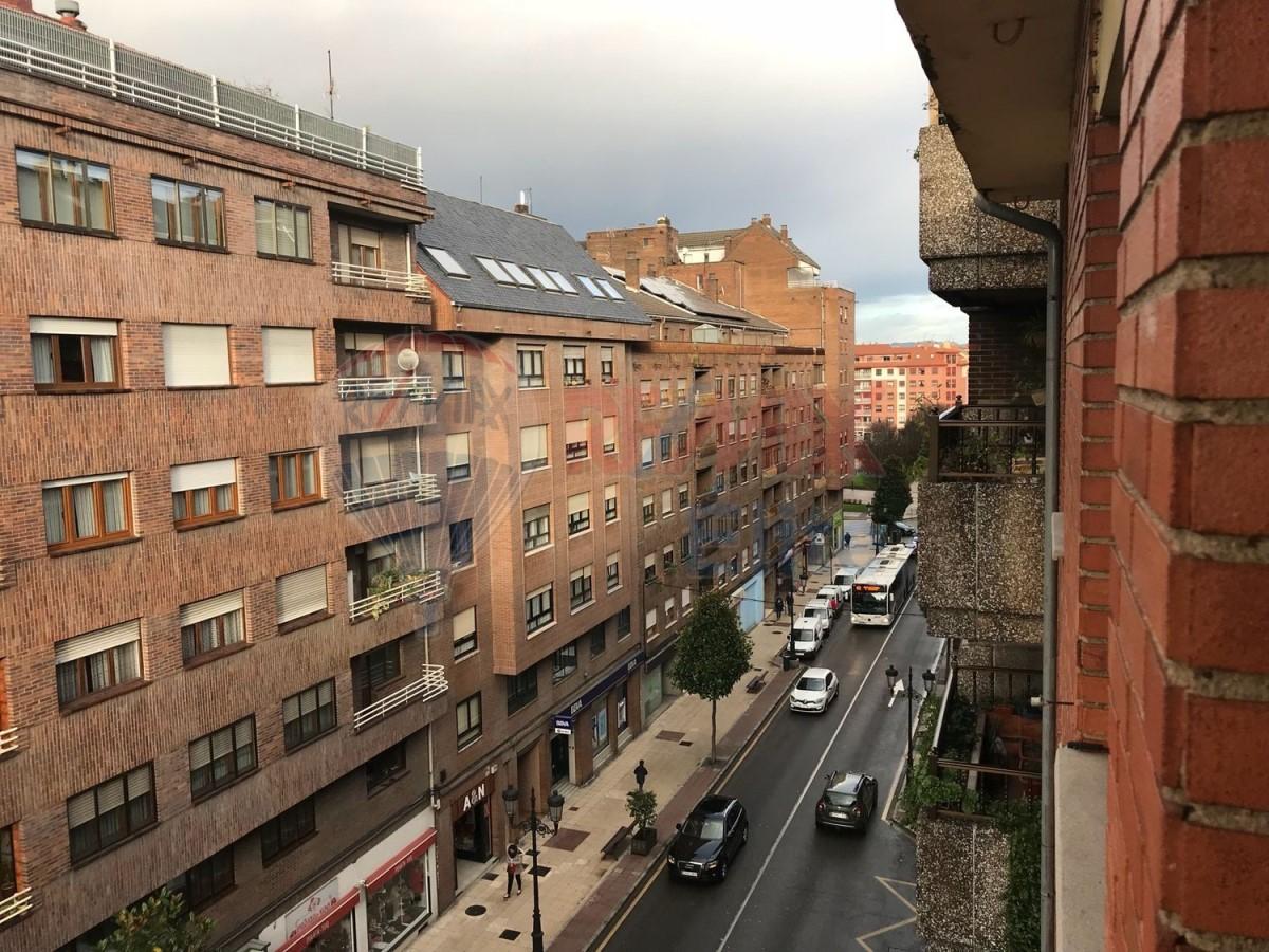 Atico en Venta en Ventanielles, Oviedo