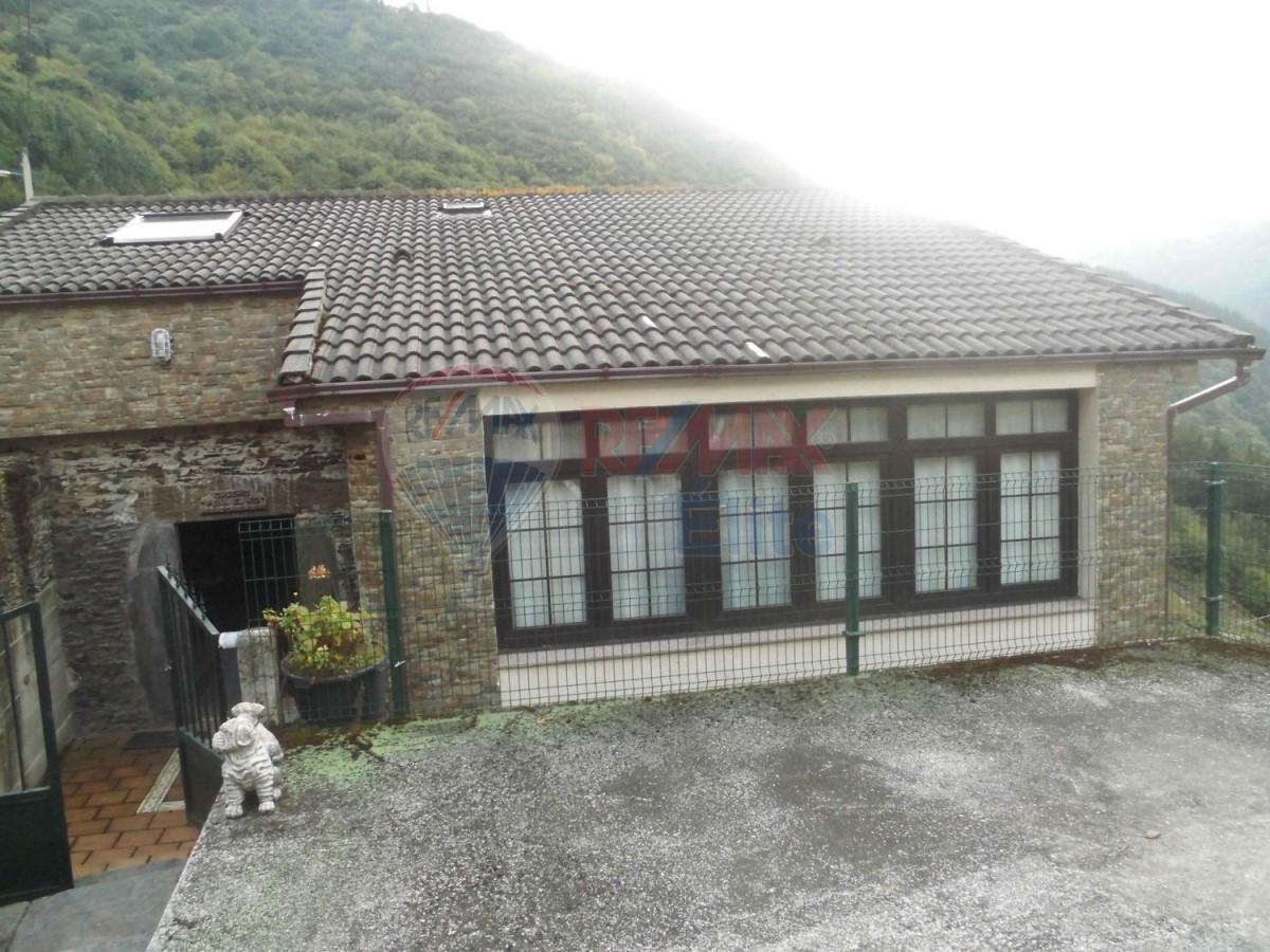 Casa Rural en Venta en  Boal