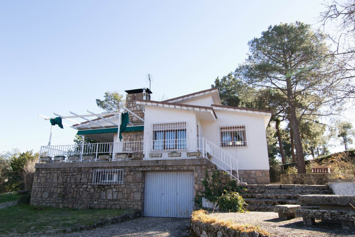 House  For Sale in  Robledo de Chavela