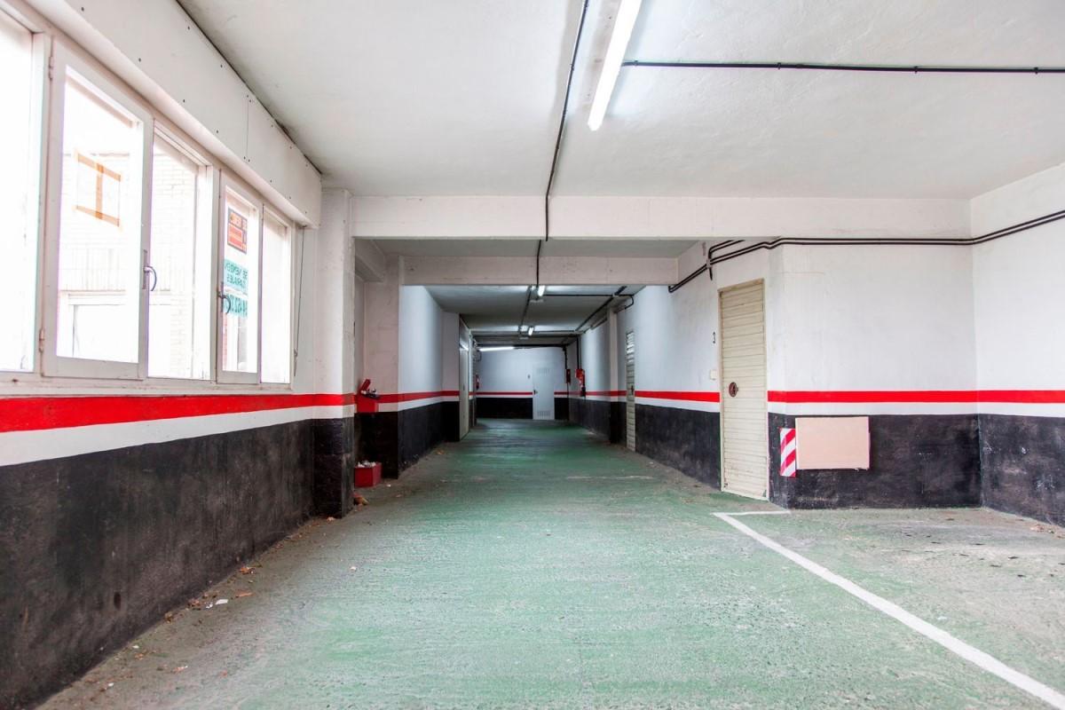 Garaje en Venta en  Gallarta