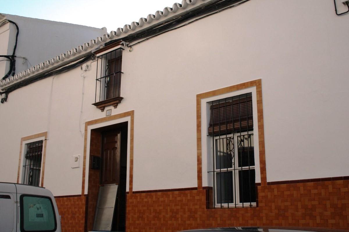 Chalet Adosado en Venta en  Castilleja del Campo