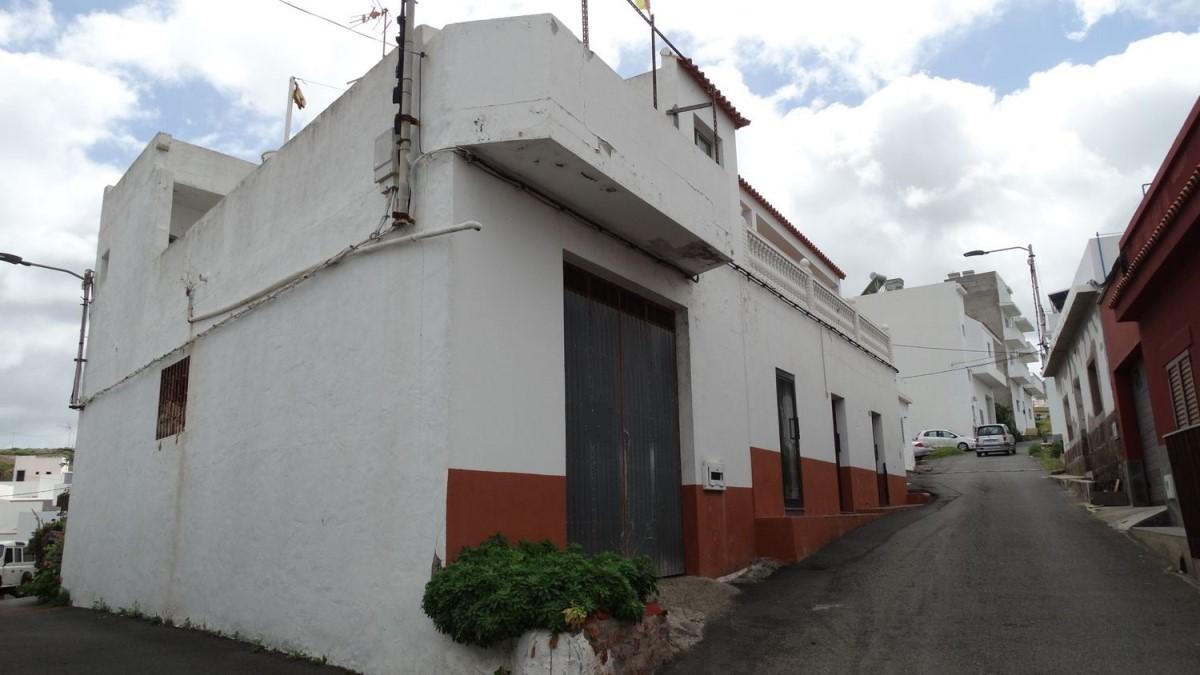 Chalet Adosado en Alquiler en  Santa Maria De Guia De Gran Canaria